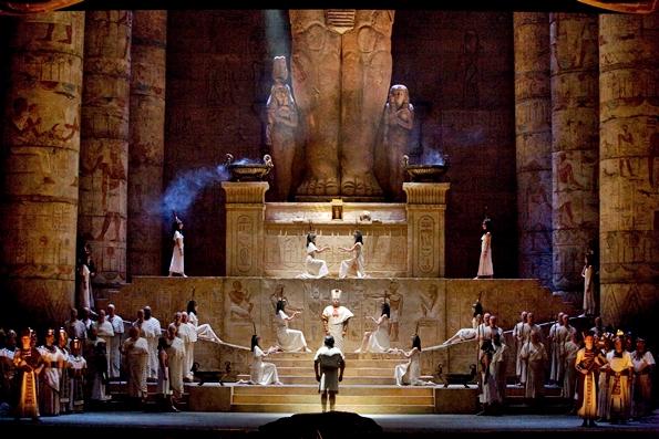 Escena de Aida al Met 2012