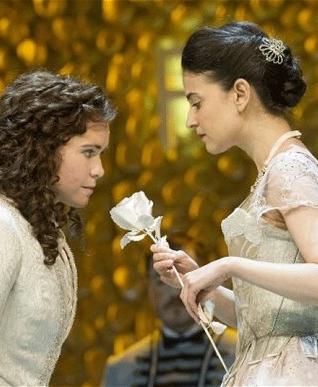 ara Erraught como Octavian y Teodora Gheorghiu como Sophie en  Der Rosenkavalier