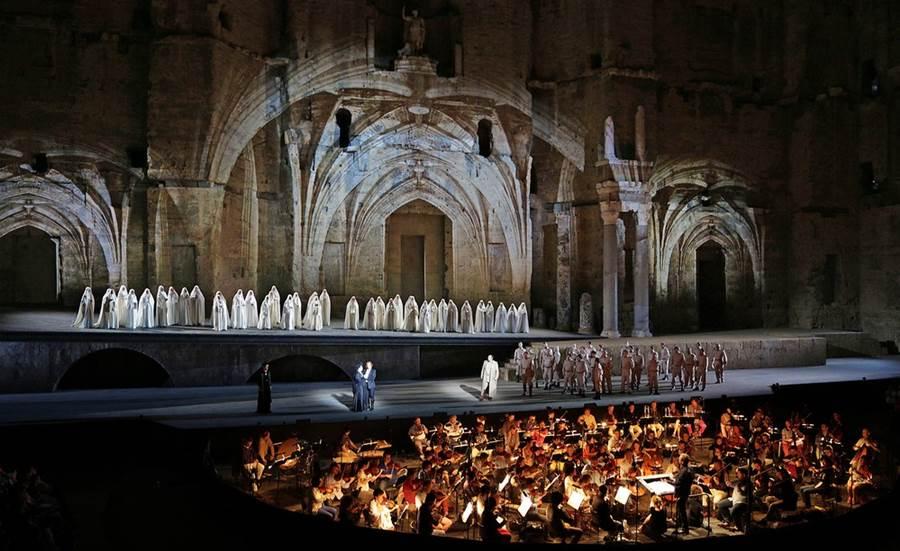 Il Trovatore Verdi Roberto Alagna Hui He Festival Orange Teatro Romano 2015