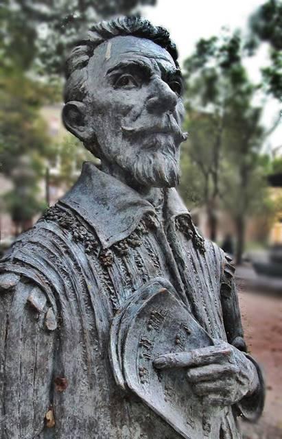 Claudio Monteverdi biografía del compositor italiano estatua