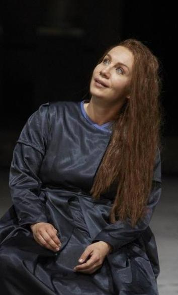 I puritani de Bellini en Stuttgart vídeo Ana Durlovski (Elvira)