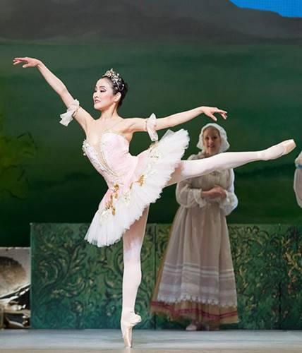 La bella durmiente ballet de Chaikovski, desde la Ópera Nacional de Finlandia en Helsinki, vídeo del ballet de Piotr Ilich Chaikovski,