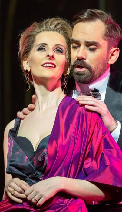 La Traviata en Reikiavik desde la Icelandic Opera, vídeo de la ópera de Giuseppe Verdi de la representación en directo de mayo de 2019