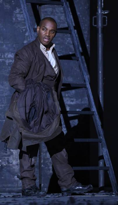 I puritani de Bellini en Lieja, desde la Opéra Royal de Wallonie-Liège, vídeo de la ópera de Vincenzo Bellini, protagonizada por Lawrence Brownlee